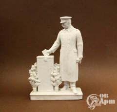 """Скульптура """"Сталин голосует"""""""